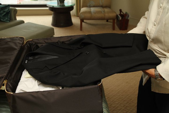 How to fold a suit for packing