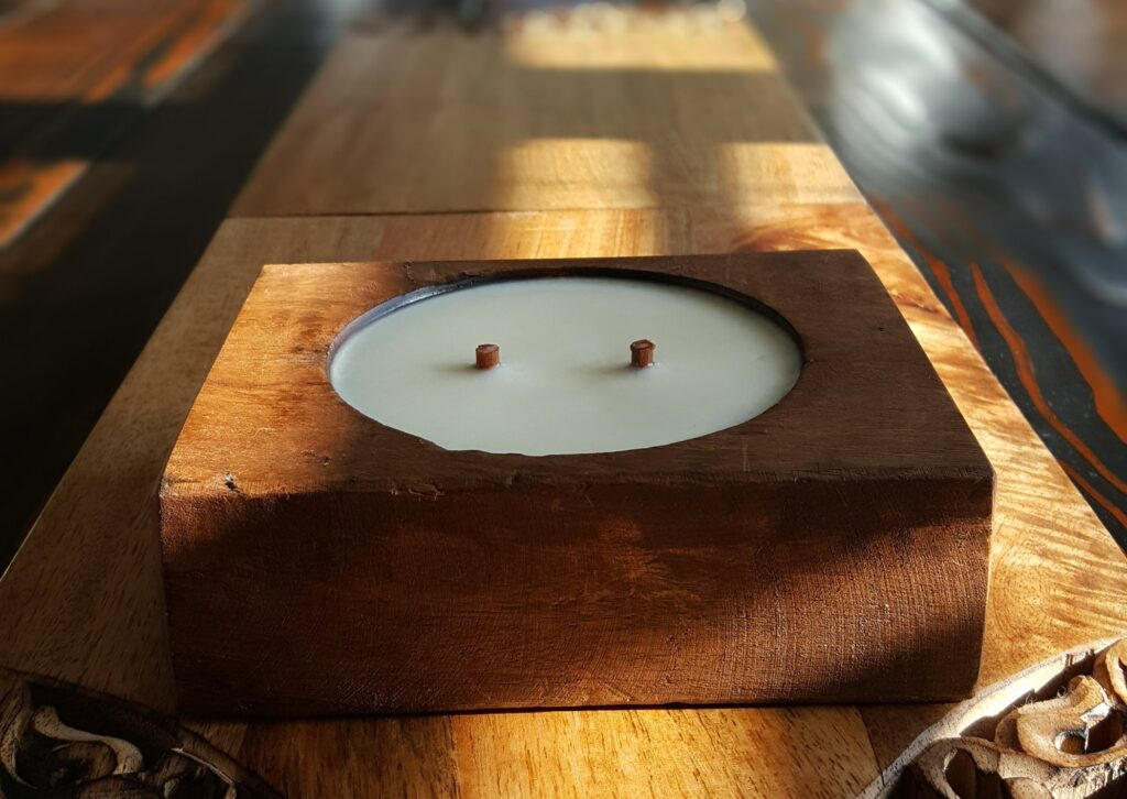 How to make a candle with multiple wicks