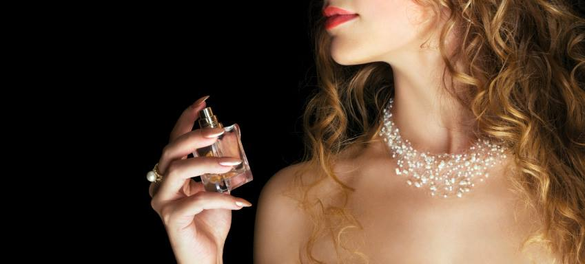 How to change your perfume to suit the seasons