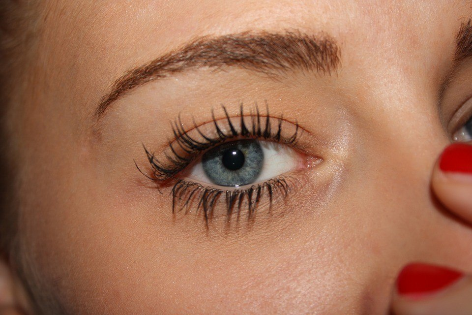 How to fix dry mascara